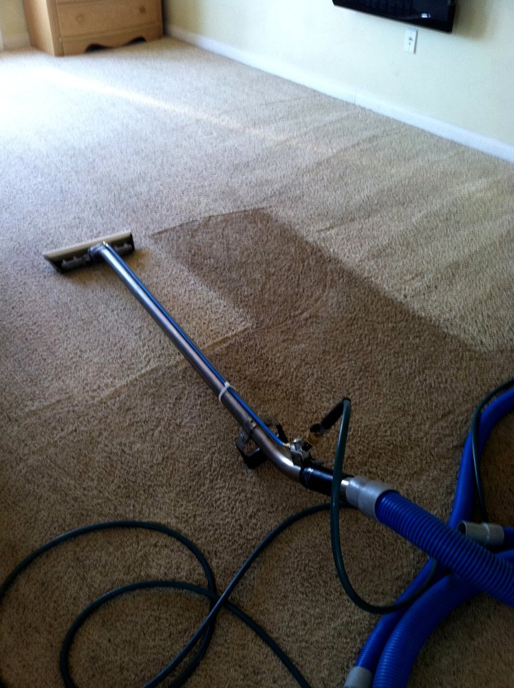 Dry-Carpet-Cleaning-Service-[location]-Grout-Cleaning